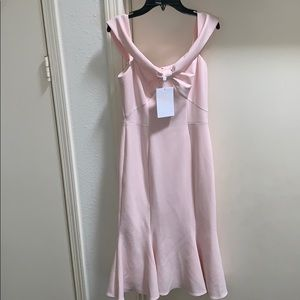 NWT Gal Meets Glam Tyler Off Shoulder Bow Dress